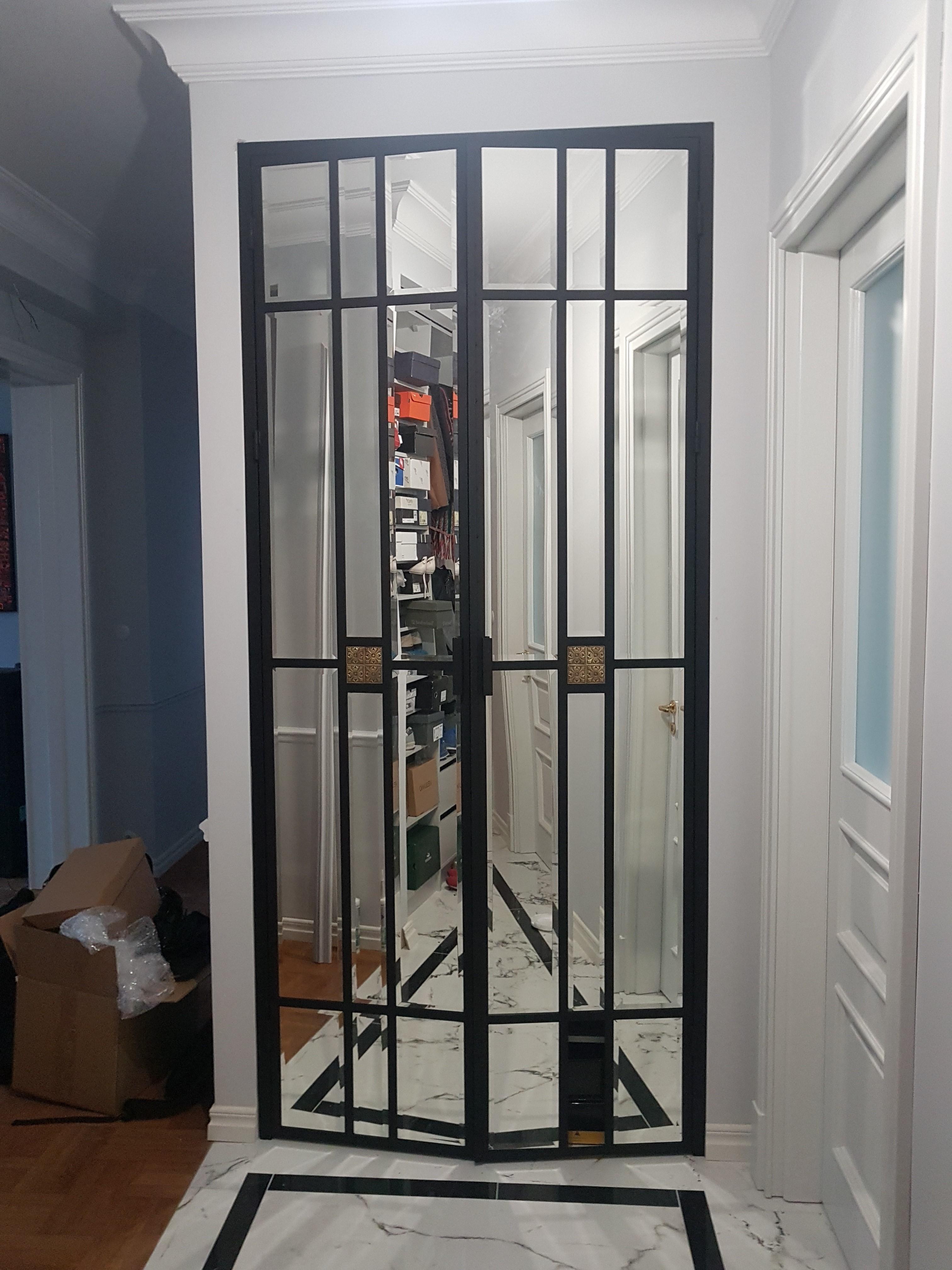 gdel drzwi do szafy z lustrem